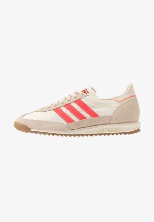 SL 72  - Trainers - cream white/solar red