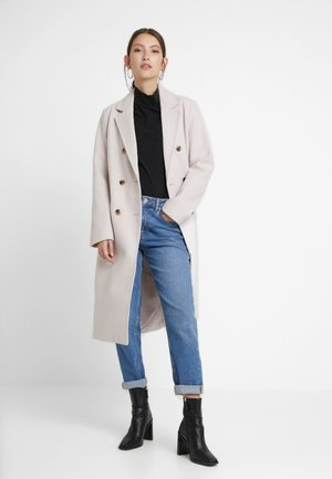 Zimní kabát - whisper white