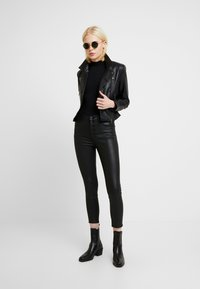 Abercrombie & Fitch - ANKLE - Trousers - black - 1