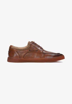 ELIOR - Volnočasové šněrovací boty - brown