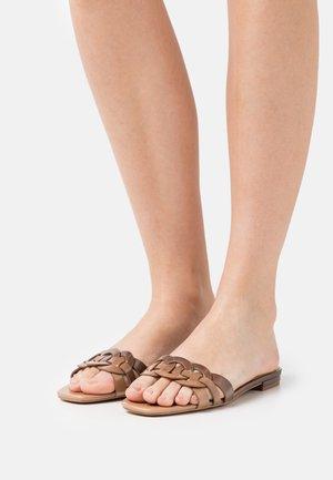KAIEMMA - Mules - light brown