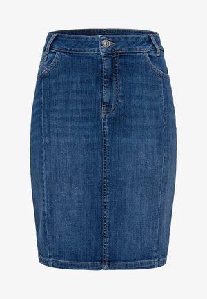 MIT TASCHEN - Denim skirt - dark mid blue wash
