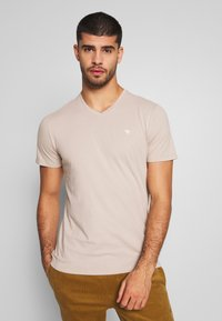 Abercrombie & Fitch - ICON VEE COLOR MULTIPACK 3 PACK - Camiseta básica - brown/green/burg - 1