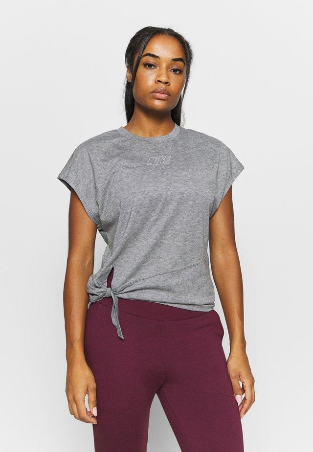 DRY TIE - Camiseta básica - carbon heather/metallic silver