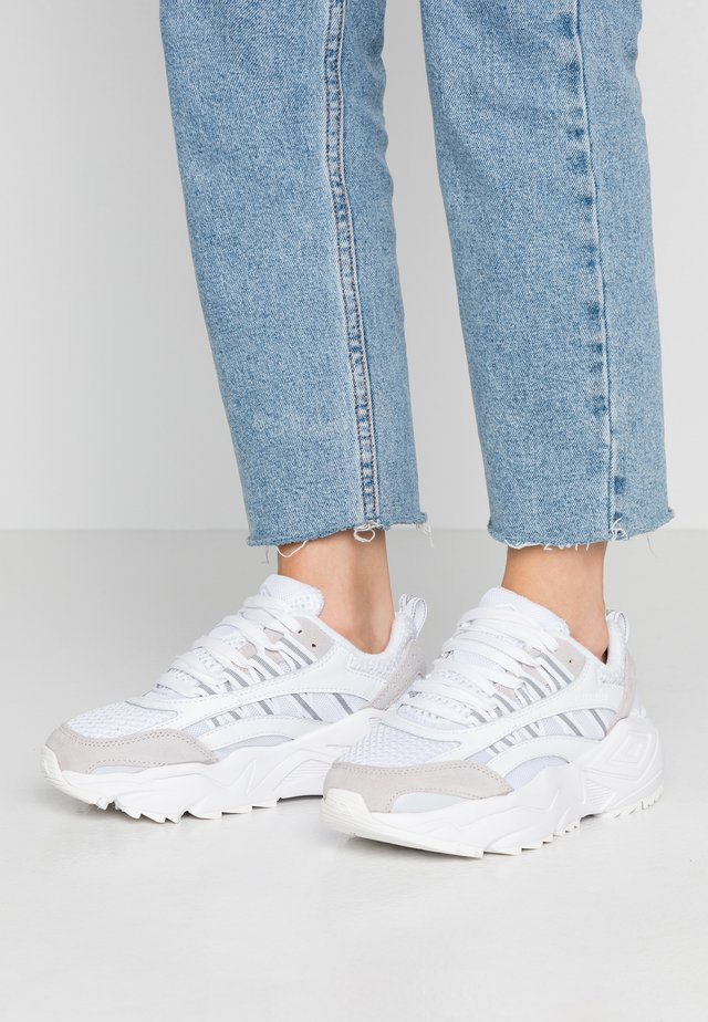 NEPTUNE  - Trainers - white