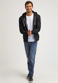 Pier One - Zip-up hoodie - black - 1