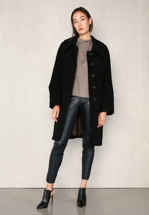 DUNA  - Classic coat - black
