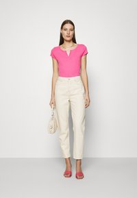 Mos Mosh - TROY TEE - Basic T-shirt - fandango pink - 1