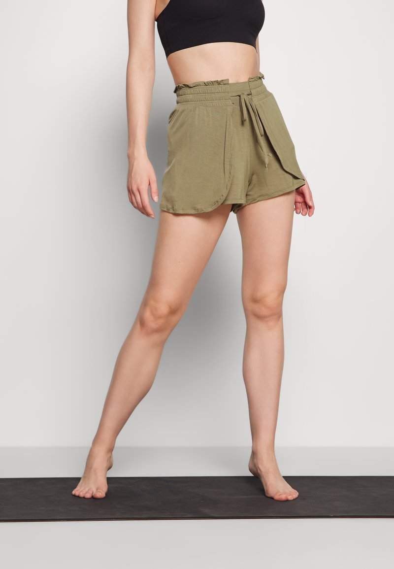 Cotton On Body - DOUBLE LAYER PETAL HEM SHORT - Sports shorts - oregano