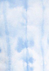Weekday - SCOOP ONE SHOULDER - Top - light blue - 5
