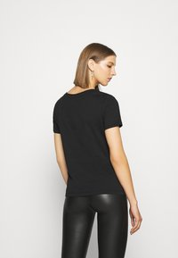 Even&Odd - LOULOU WILD HEARTS ROCK TEE - T-shirt con stampa - black - 2