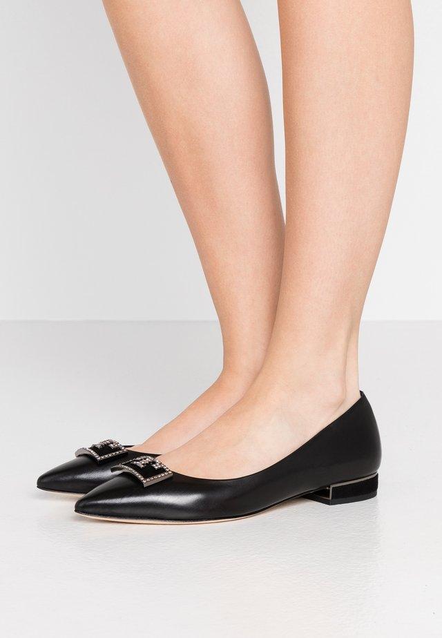 GIGI EMBELLSHED - Ballerina's - perfect black