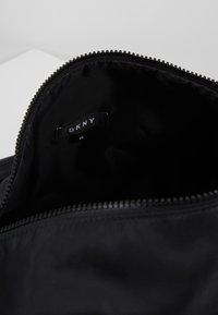 DKNY - BOWLING BAG - Sporttas - black - 5