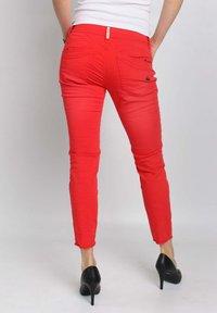 Buena Vista - Slim fit jeans - tomato - 2