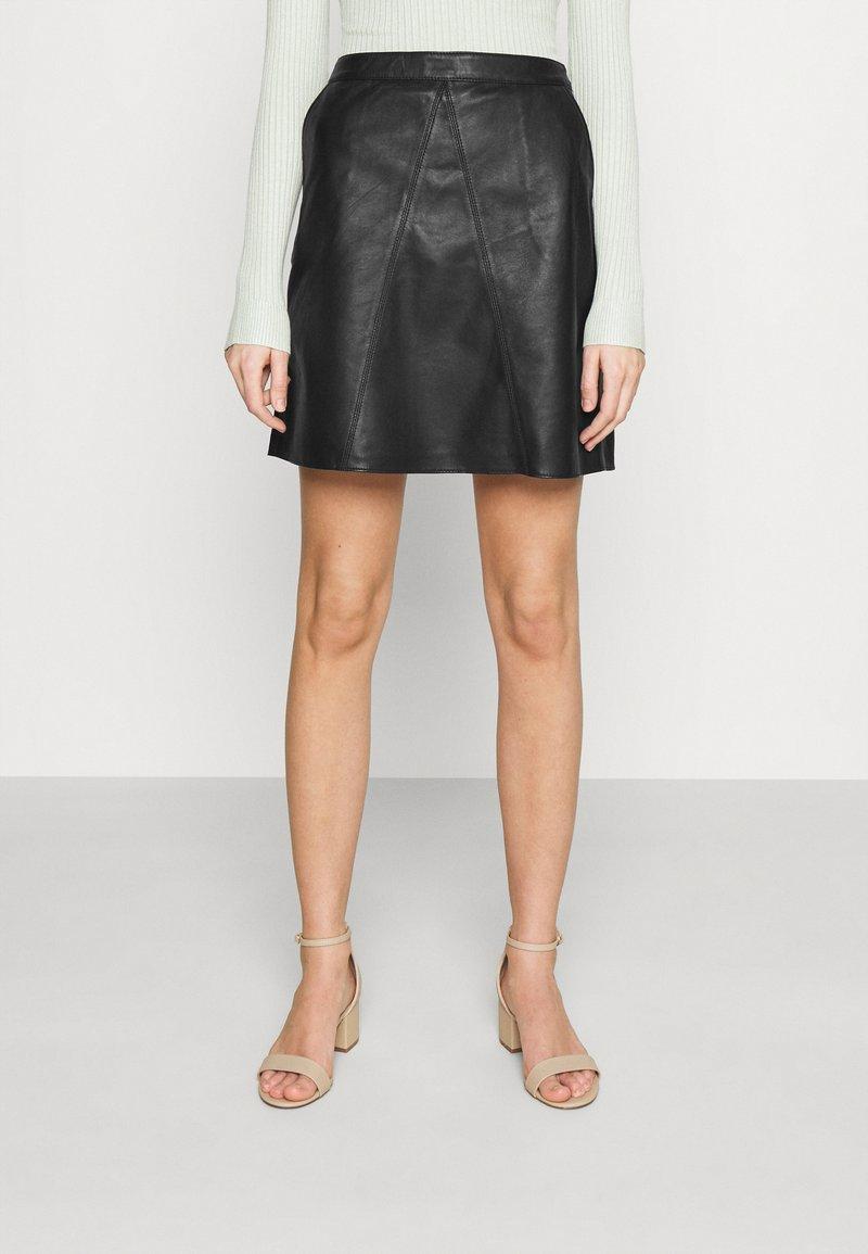 Vero Moda - VMPARIS SHORT SKIRT  - Mini skirt - black