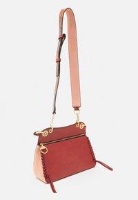See by Chloé - TILDA MEDIUM TILDA - Handbag - faded red - 1