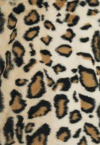 Vero Moda - VMTHEA LEO JACKET - Light jacket - tobacco brown - 2