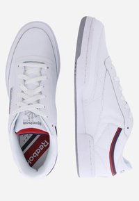 Reebok Classic - CLUB - Trainers - white - 1