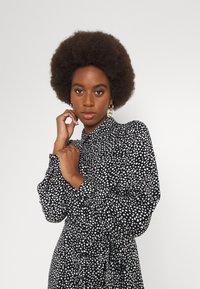 Vero Moda Tall - VMVICA SHIRT DRESS - Maxi dress - black - 3
