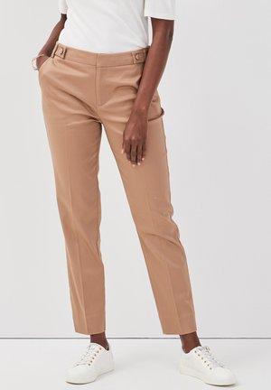 Pantalones chinos - camel