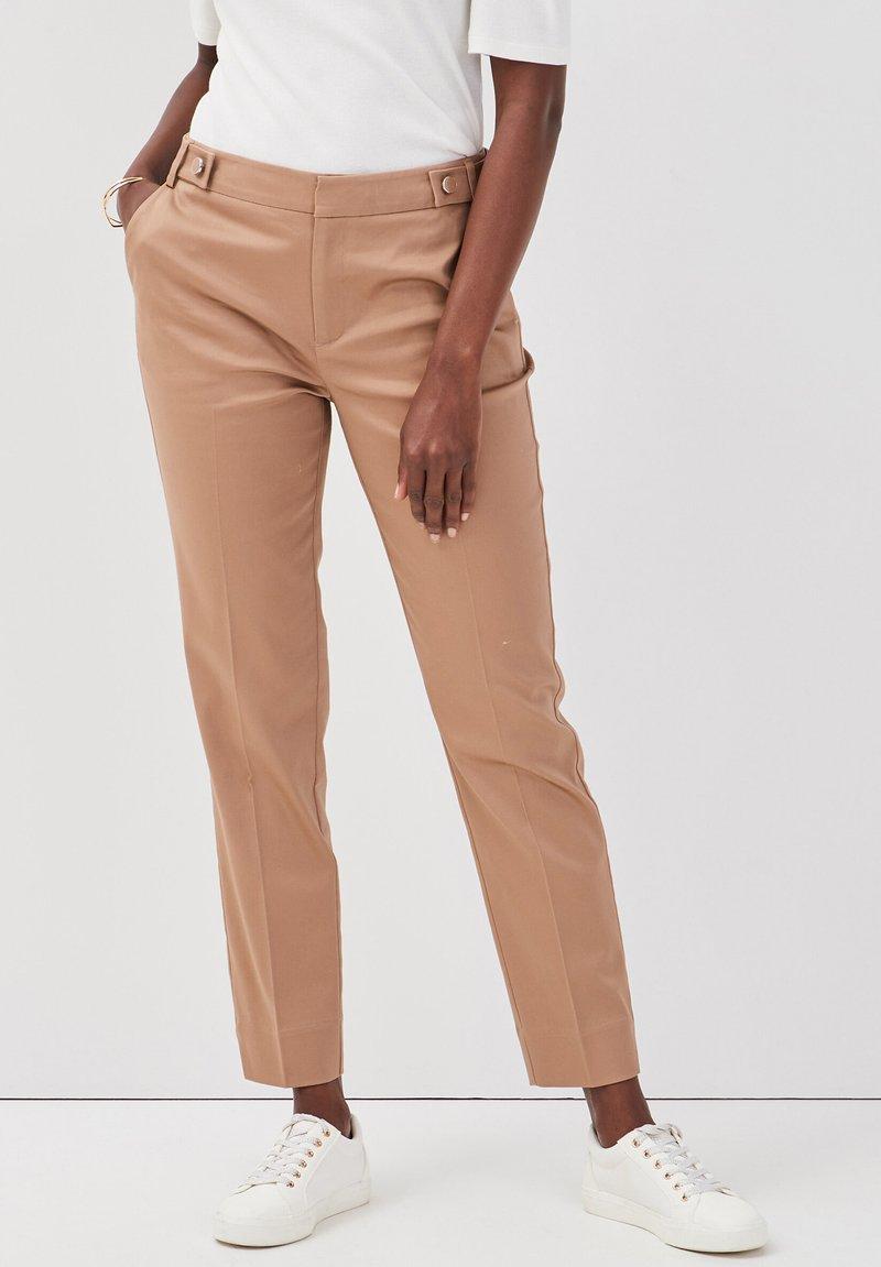 Cache Cache - Pantalones chinos - camel