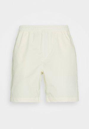 CHINO UNISEX - Shorts - coconut milk