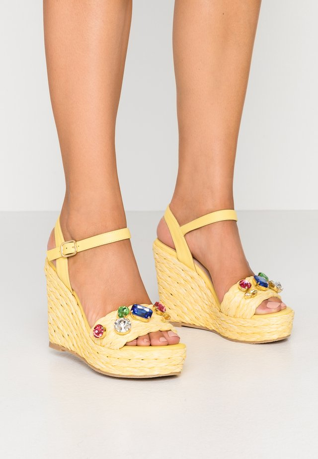Sandały na obcasie - artes limon/dreamyellow