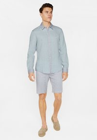 WE Fashion - SLIM-FIT - Koszula - light blue - 1