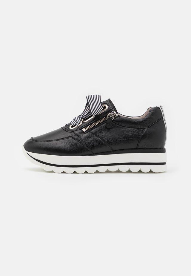 Sneakers basse - schwarz/weiß
