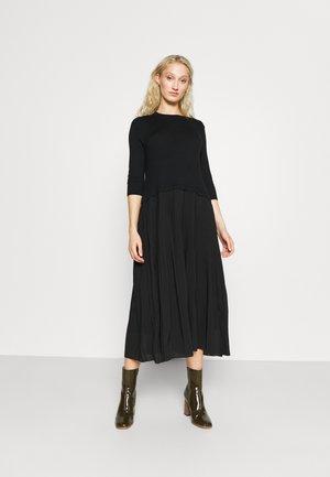 CORE - Vestito estivo - black