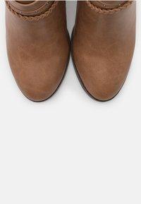 Wallis - ABINGDON - Boots à talons - tan - 5
