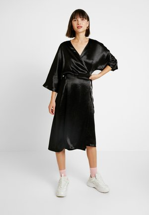 LOLLO DRESS - Day dress - crinkled black