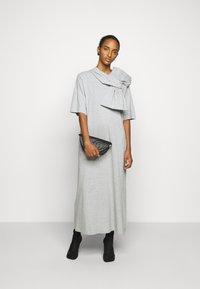 MM6 Maison Margiela - Vestido ligero - grey - 1