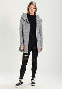 Vero Moda - VMVERODONA - Manteau court - light grey melange - 2