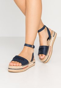 Tommy Hilfiger - TROPICAL FADE OPENED - Alpargatas - sport navy - 0