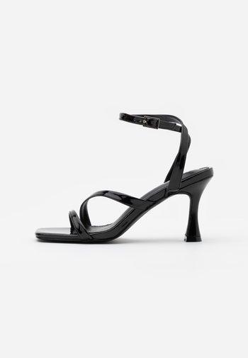 BRYNA - Sandaler med høye hæler - black