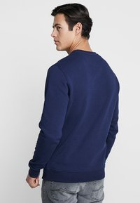 Lyle & Scott - CREW NECK - Sweatshirt - navy