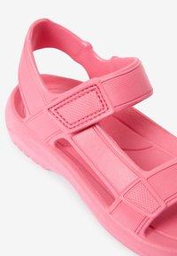 Next - Pool slides - pink - 3