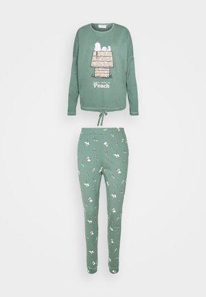 SNOOPY COTTAGE LONG - Pijama - green