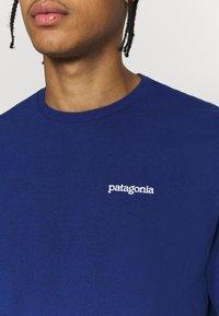 Patagonia - FITZ ROY HORIZONS RESPONSIBILI TEE - T-shirt imprimé - superior blue - 5