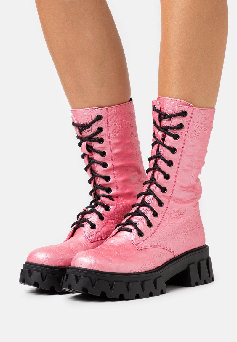 Koi Footwear - VEGAN FONTAINE - Platform boots - pink