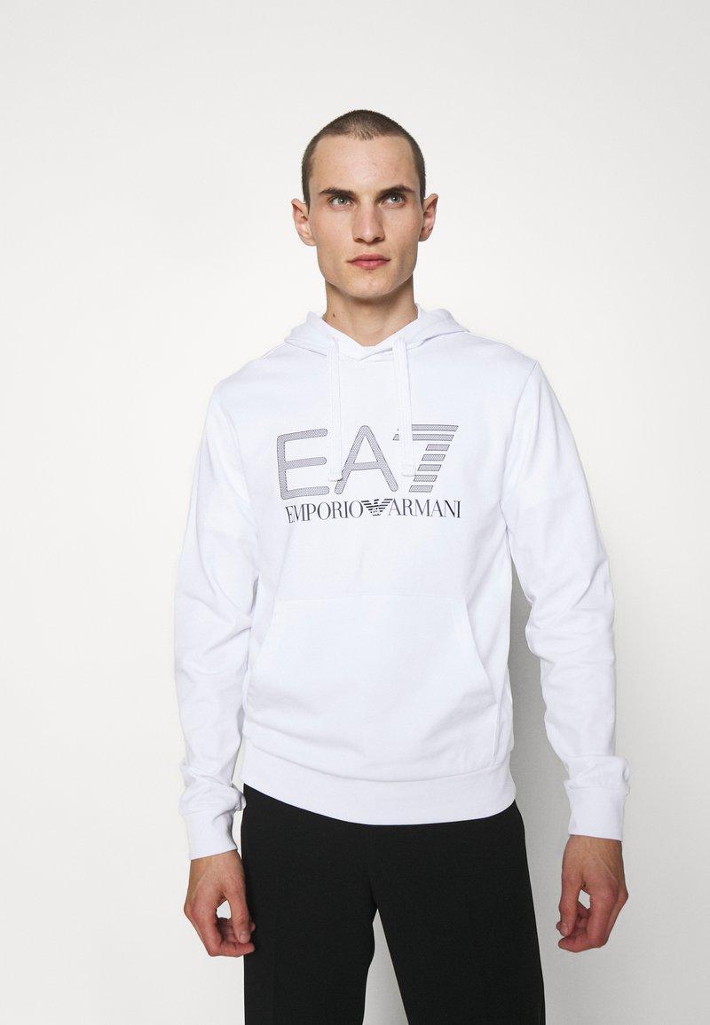 EA7 Emporio Armani - Collegepaita - white