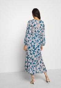 Forever New - WAIST SASH MIDI DRESS - Day dress - mottled teal - 2