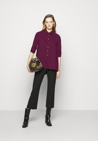 Steffen Schraut - BENITA FASHIONABLE BLOUSE - Button-down blouse - wild berry - 1