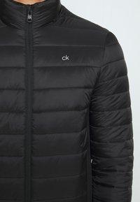 Calvin Klein - LIGHT WEIGHT SIDE LOGO JACKET - Kurtka przejściowa - black - 6