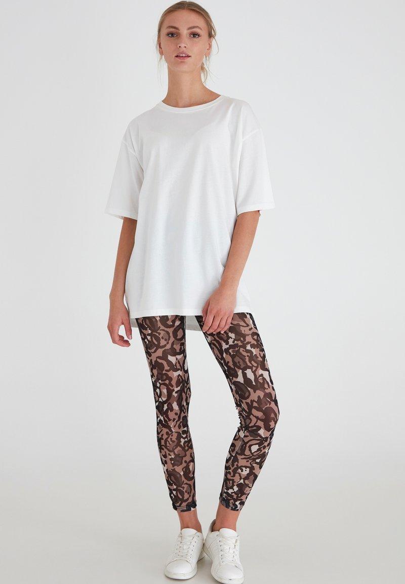 ICHI - IXMESHU LE - Leggings - Trousers - cornstalk multi print