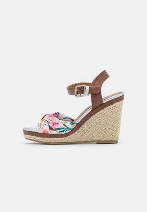 SHAILY - Sandalen met plateauzool - blanc/multicolor