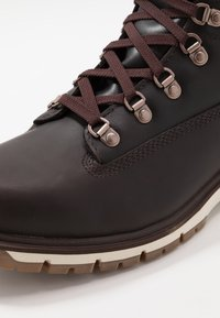 "Timberland - RADFORD 6"" D-RINGS BOOT - Bottines à lacets - dark brown - 5"