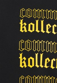Common Kollectiv - GOTHIC TEE UNISEX - Print T-shirt - black - 5