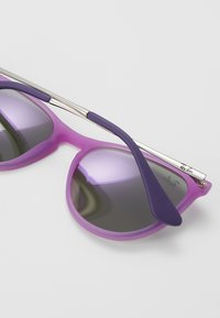 Ray-Ban - JUNIOR ERIKA - Sunglasses - purple - 2